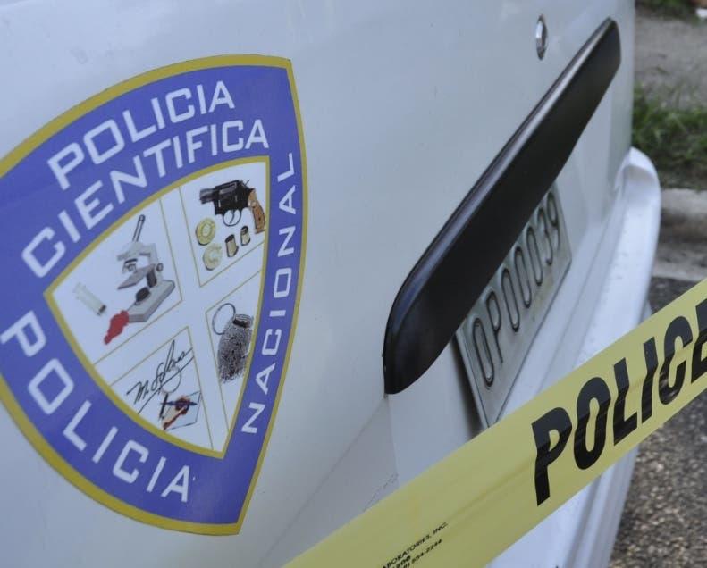 Desconocidos matan dos hombres y hieren oficial de la Policía en La Romana