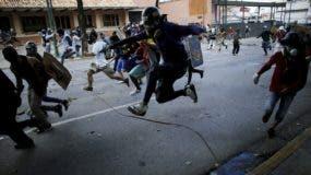 Un hombre de 30 años murió ayer  en una protesta durante una huelga convocada por la oposición en Venezuela.