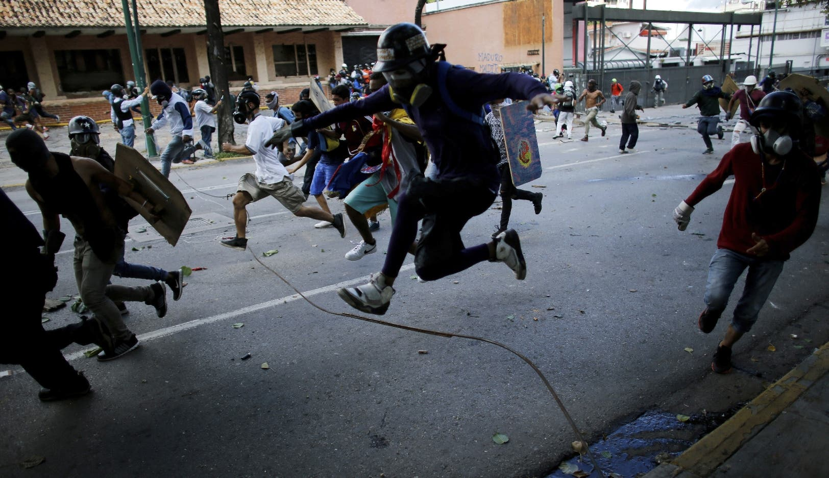 Gobierno de Maduro recibe fuertes golpes
