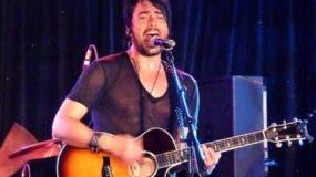 Beto Cuevas se presentó el viernes en el país.