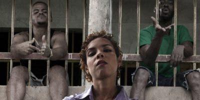 """Una escena de la película """"Carpinteros"""", una de las que los espectadores podrán disfrutar en el Festival de Huelva."""