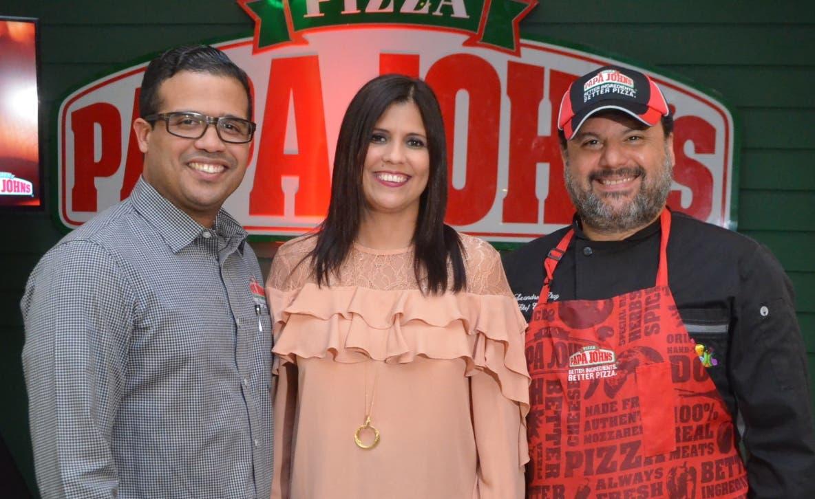 Juan Naveo, Mirna Piña y Leandro Díaz.