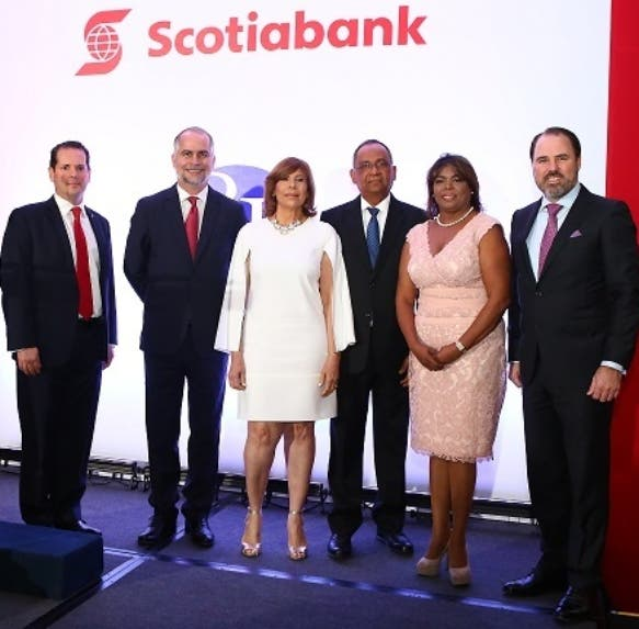 Miguel Huller, Alejandro Fernández W, Rosalía Montero, Blass Bonilla, Yovanne de Bonilla y Robert Williams.