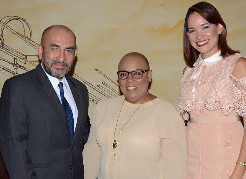 Elmer E. Huerta, Jocelyn Peralta y Estenia García.
