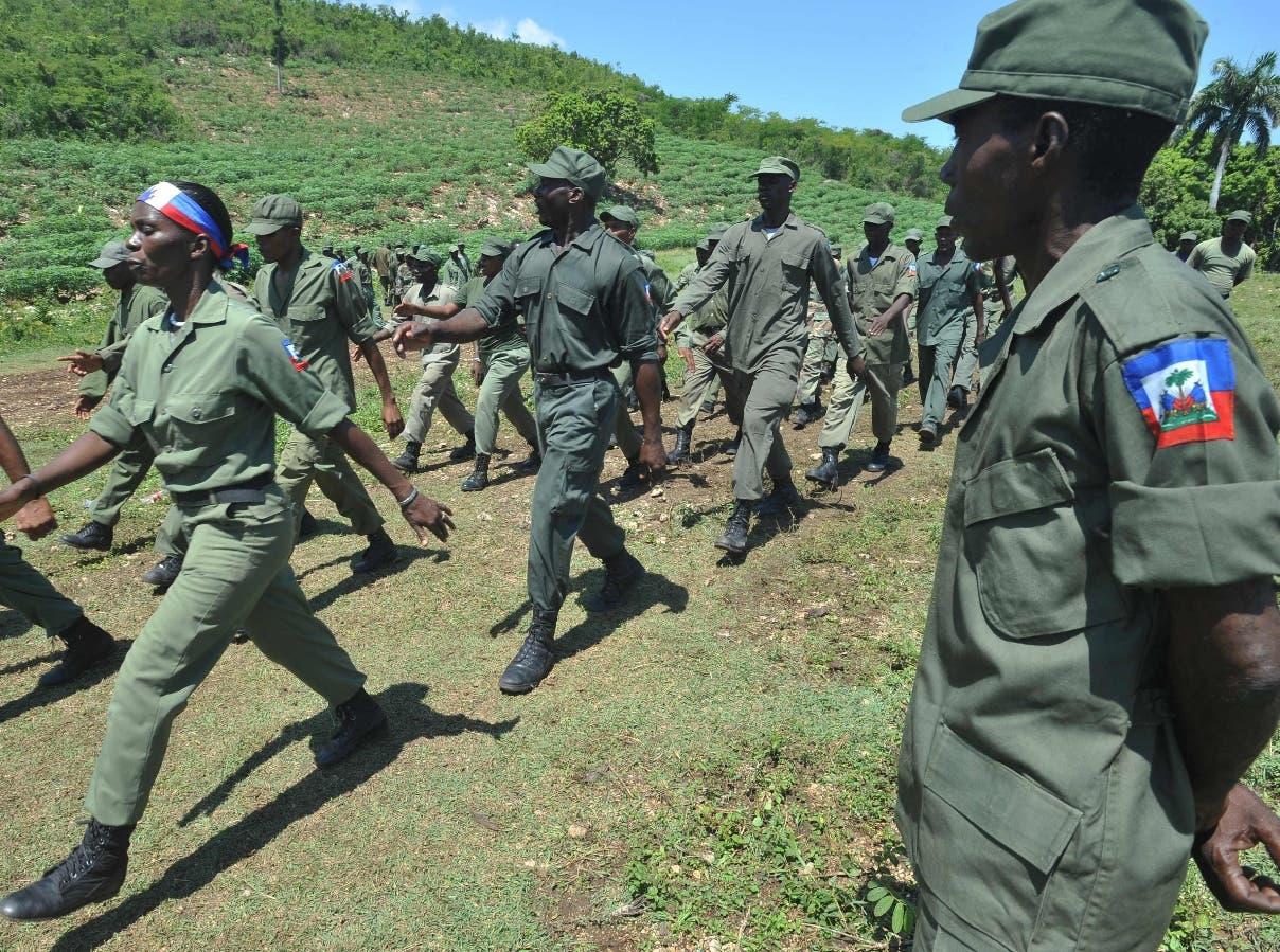 En Haití reinstalarán las Fuerzas Armadas