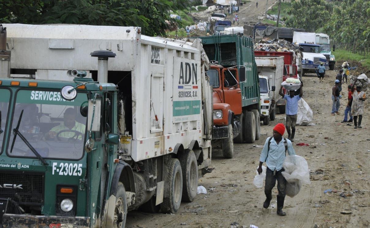 Pese a advertencias hechas por Lajun, camiones recolectores entran a Duquesa