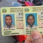Documentos de identidad de los agentes ultimados ayer.