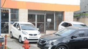 Local en donde funciona el 'rent car' y  donde fue raptado el comerciante el lunes pasado.