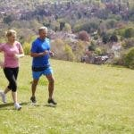 El estilo de vida que es bueno para prevenir las enfermedades del corazón y el cáncer también lo es para mantener la salud del cerebro.