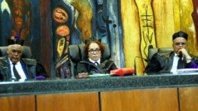 Los magistrados Fran Soto, Miriam Germán Brito y    Alejandro Moscoso Segarra.