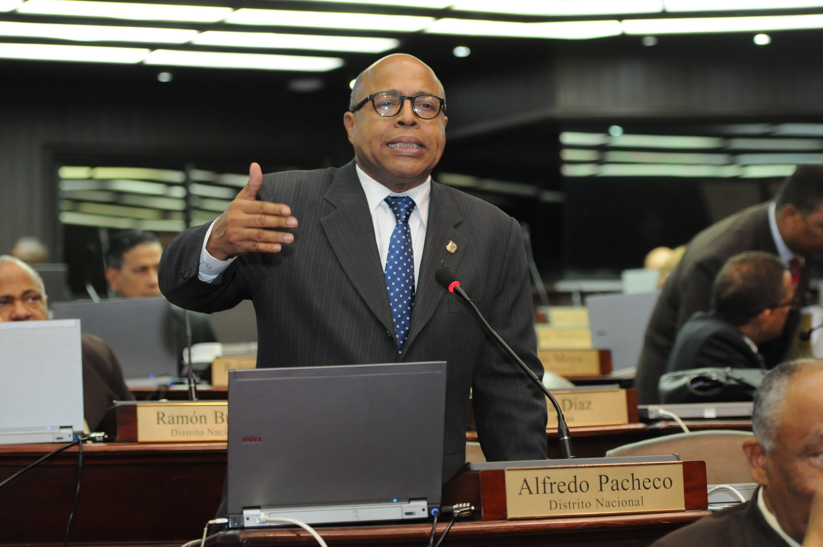 Alfredo Pacheco es uno de los tres legisladores imputados por el caso Odebrecht.