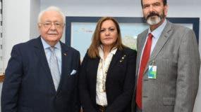 Antonio Isa Conde, Angelita Peña y Luis Longoria Gandara.