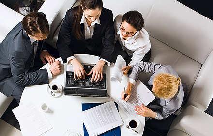 La encuesta fue completada por 64 directivos y comunicadores corporativos.
