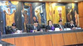 La Segunda Sala Penal de la Suprema Corte está integrada por los magistrados Hiroito Reyes, Fran Soto, Miriam Germán Brito, Alejandro Moscoso Segarra y Esther Angelán Casasnova.