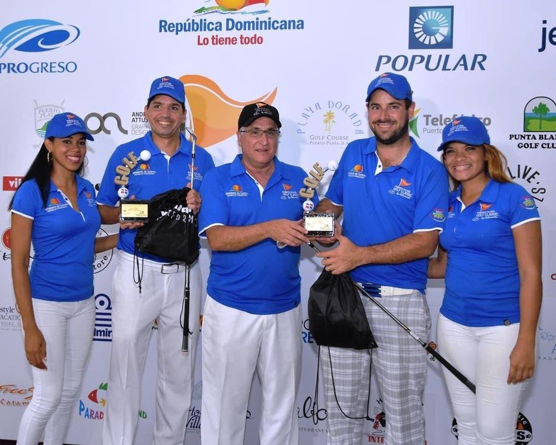 Ganadores junto a Presidente y colaboradoras de ASHONORTE.