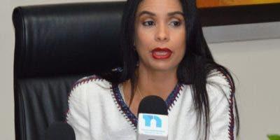 Claudia Franchesca de los Santos, directora del Intrant.