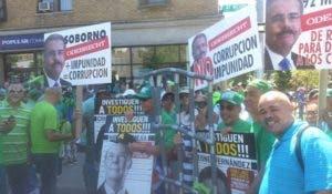 mas-de-cinco-mil-dominicanos-en-ny-participaron-marcha-verde-1