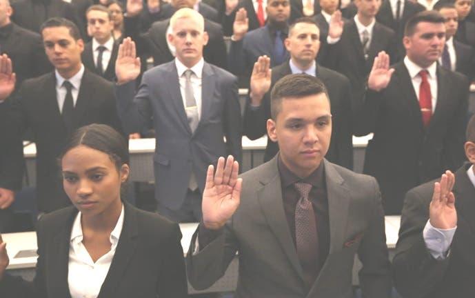 Actualmente en el Departamento de Policia de la Ciudad hay un poco más de dos mil agentes policiales dominicano.