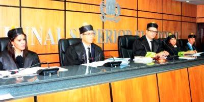 Miembros del Tribunal Superior Electoral.