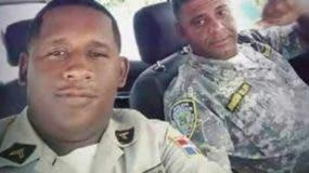 Los agentes Johnny Arias Cabrera y Félix Daniel D' Óleo Paredes, muertos a tiros cuando ordenaron a los delincuentes detenerse.