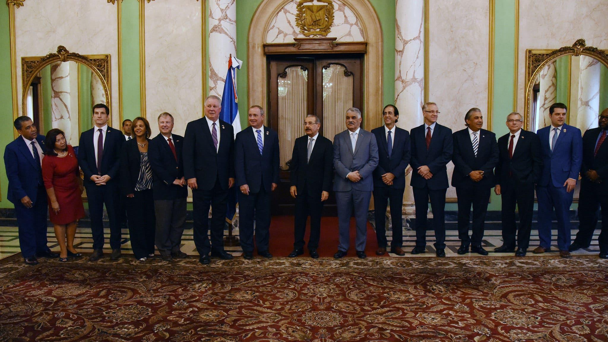 Presidente Danilo Medina recibe a Congresistas de Estados Unidos