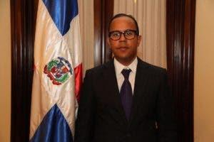 Fernan Leandry Ramos Peralta, suplente del miembro titular del TSE,  Santiago Sosa.
