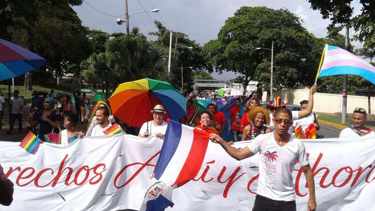 Comunidad LGBT  exige  «derechos aquí y ahora» durante marcha