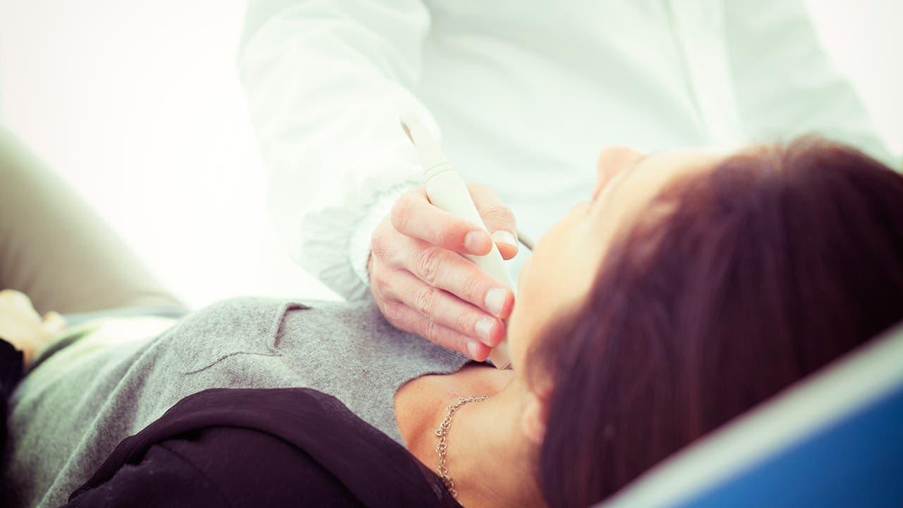 Mujeres son más propensas a padecer la Enfermedad Nodular Tiroidea