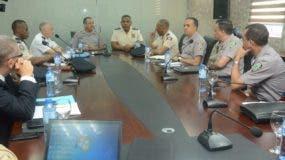 En esta reunión ambos funcionarios policiales estuvieron acompañados de altos oficiales junto a una delegación de la Misión de Estabilización de las Naciones Unidas en Haití (Minustah).