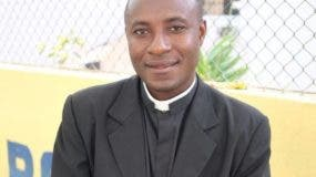 Reverendo Padre Fisner Vaillant, director de la Pastoral Haitiana.