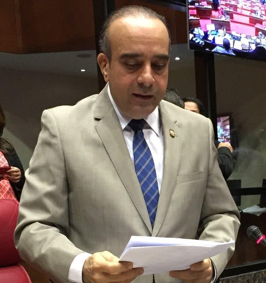 El senador Aristides Victoria Yeb
