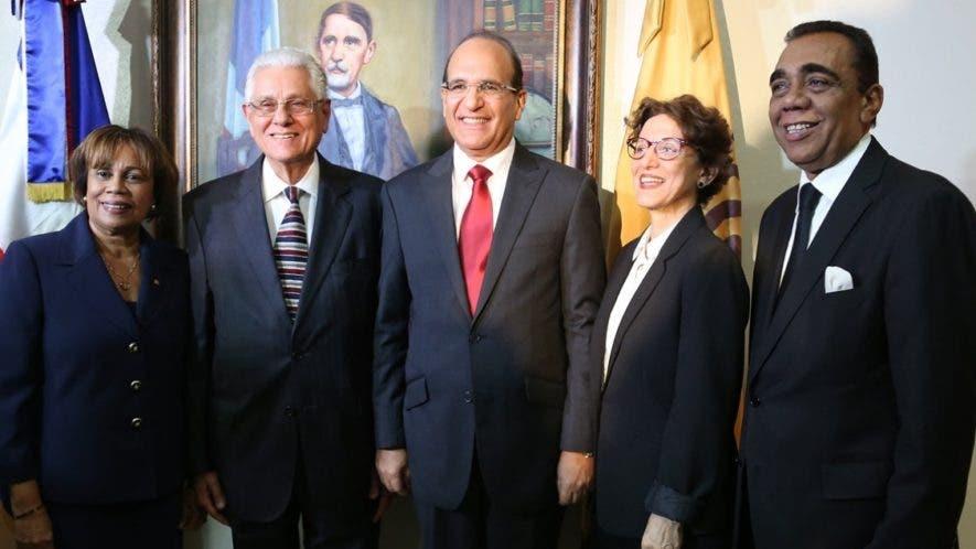 Los cinco  titulares de la Junta firmaron el comunicado sobre la campaña de dirigentes. archivo