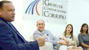 Juan Carlos Ortiz, presidente del Consejo de Desarrollo de Santiago;  Reynaldo Peguero,  Mirtha Saleta y Laura Partal, parte de su equipo. José de León