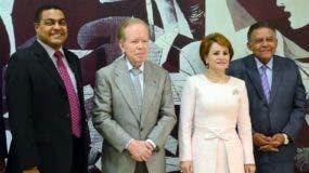 Nelson Marrero, José Monegro, José Luis Corripio Estrada, Lucía Medina Sánchez, Juan Bolívar Díaz y  José Alfredo Corripio   en el Almuerzo Semanal del Grupo Corripio.
