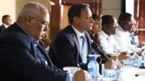 Jean Alain Rodríguez mientras encabeza reunión con fiscales. fuente externa