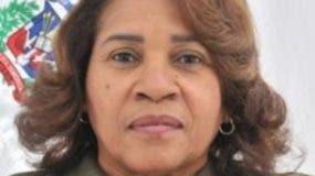 Miledy Suero   Cargo: Diputado Partido:  PRD Provincia:  Santo Domingo Periodo: 2016-2020   Trayectoria política   Dirigente comunitaria en el municipio de Santo Domingo Norte, llega al Congreso por la cuota de la mujer en la boleta PRD.