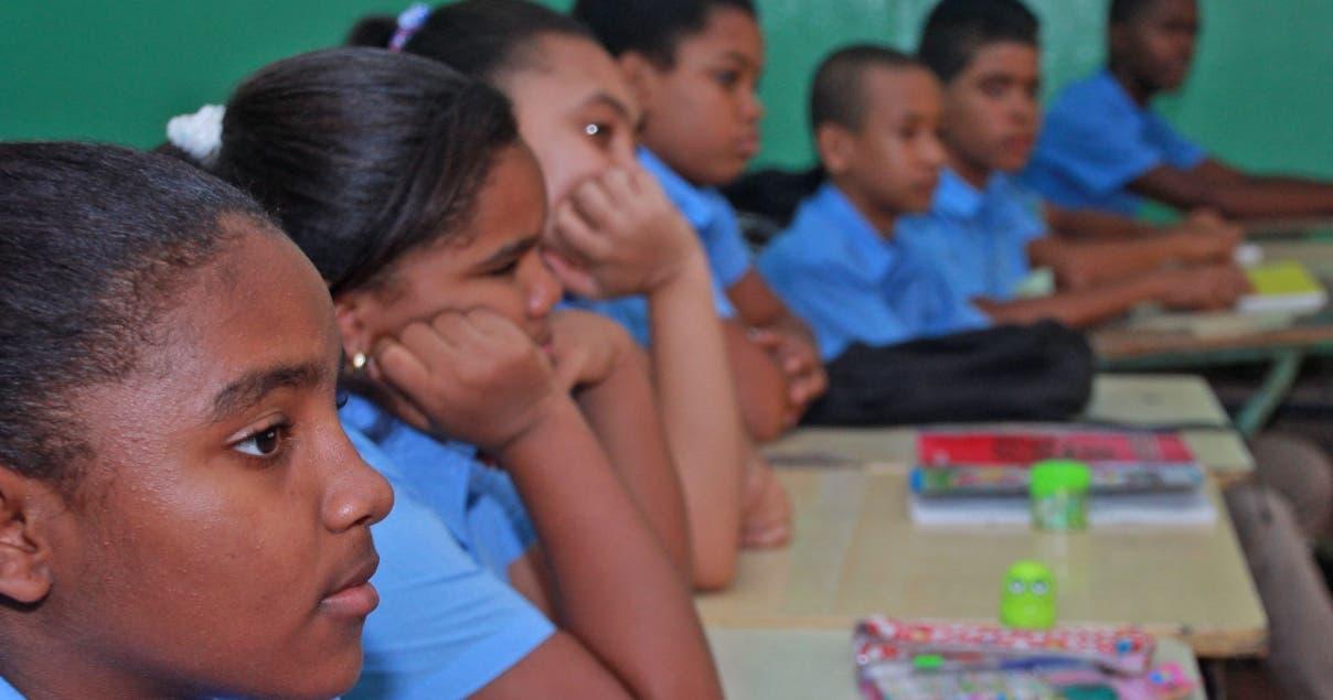 Más de 2.8 millones de estudiantes iniciaron desde ayer el año escolar en todo el territorio. ELIESER TAPIA