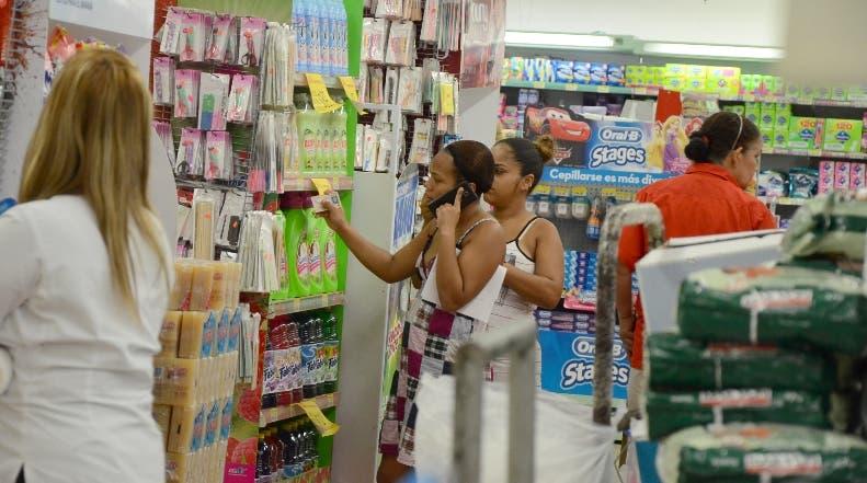 De lunes a domingo el Olé mantiene ofertas para atraer clientes. JOSE DE LEON