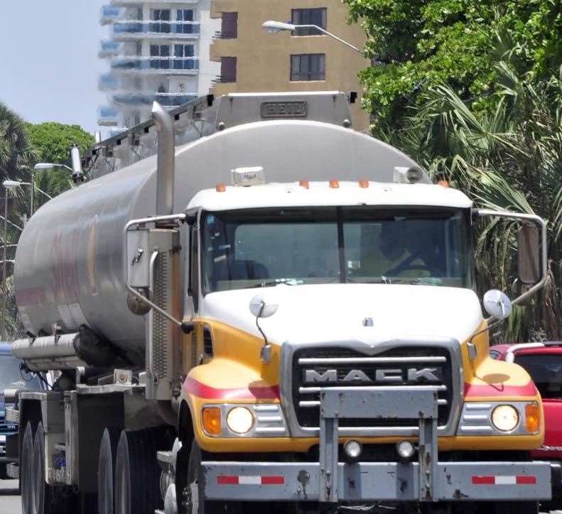 Una resolución restringe paso  vehículos pesados.