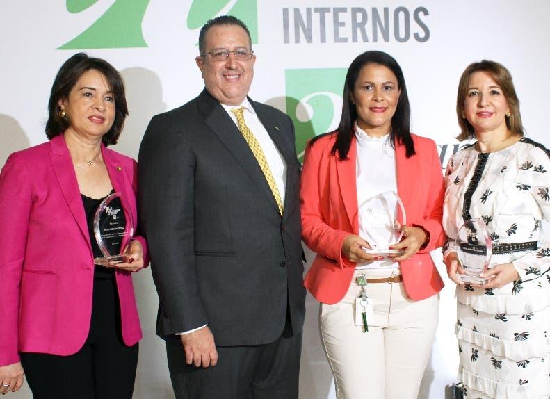 Patria Taveras, Magín Díaz, Lidia Núñez  y Sylvia Báez Andújar.