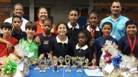 Los equipos campeones de República Dominicana celebran. Fuente externa
