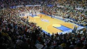 Los aficionados de Santiago respaldaron masivamente anoche  a su equipo Metros  en l a Gran Arena del Cibao Oscar Gobaira. fuente externa