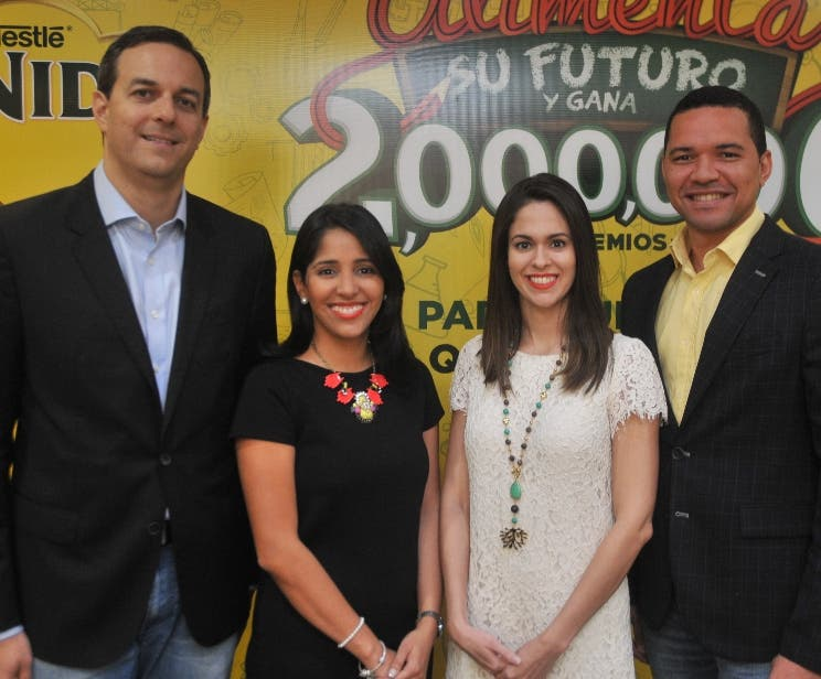 Alexandre Carreterio, Bianca Arias, Ihanna Sánchez y Huáscar Beltré.