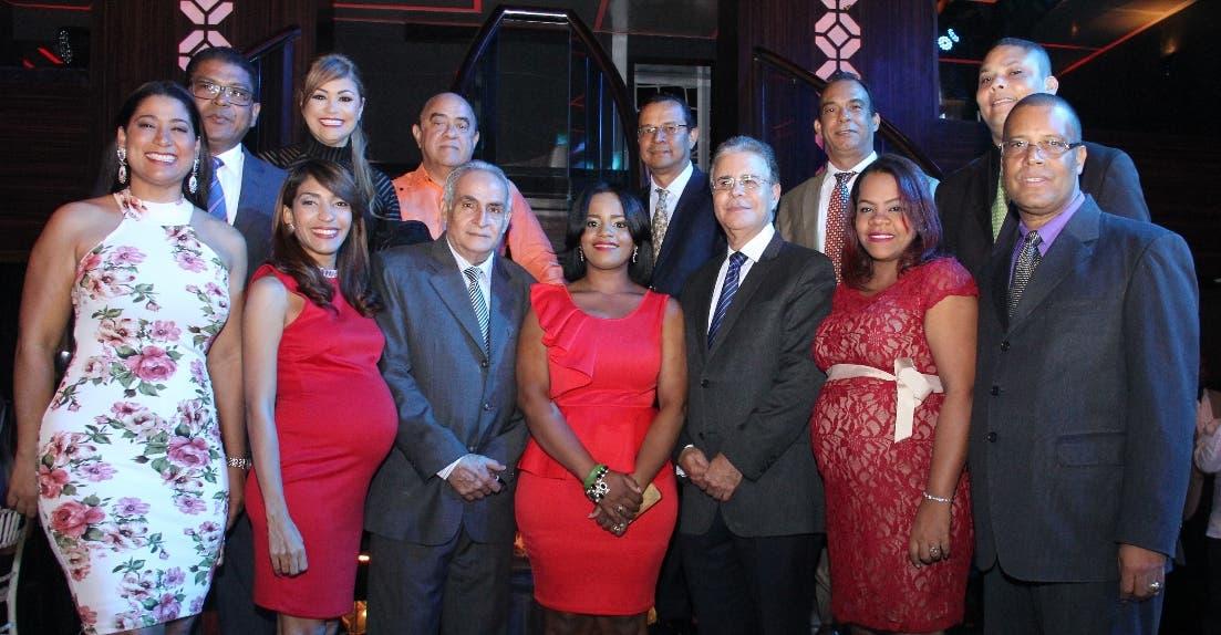 Los miembros de la nueva directiva que dirigirá Adompretur.