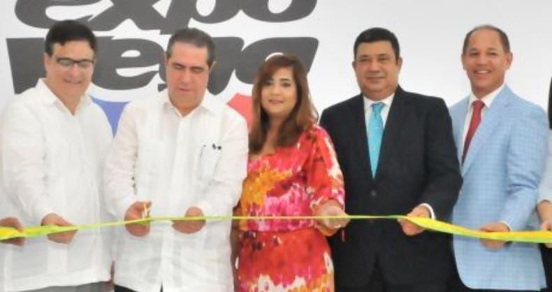 Induveca participa en exposición comercial
