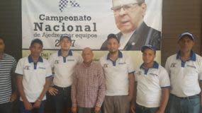 Wily González, presidente de la federación premia los gadores. Fuente externa