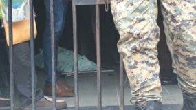 El estadounidense se suididó ayer en una celda del Palacio de Justicia de Ciudad Nueva. Fuente Externa