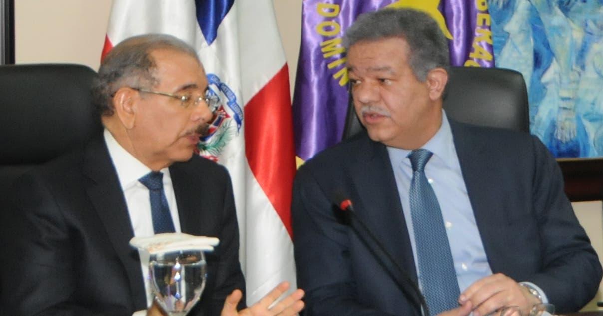 El presidente Danilo Medina y el expresidente Leonel Fernández, durante una reunión del Comité Político del PLD.