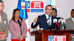 Francisco Cáceres, Vivian Báez, Maritza Miranda y  Manuel Bello acompañaron a Navarro.