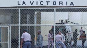 Momentos de tensión se vivieron ayer en la Penitenciaría de La Victoria por causa del incidente.